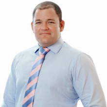 Peter de Vere, Campbells Law Firm in Cayman Islands